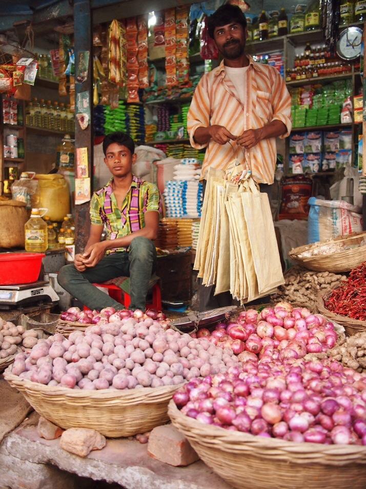 Grocers, Dinajpur