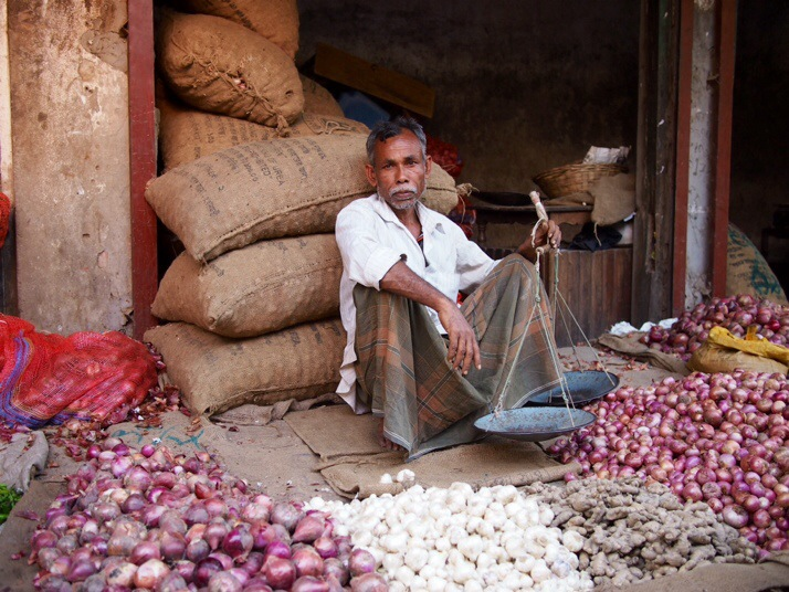 Onion and garlic seller, Dinajpur