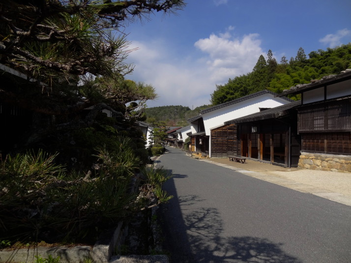 The main street in the town of Tsumago