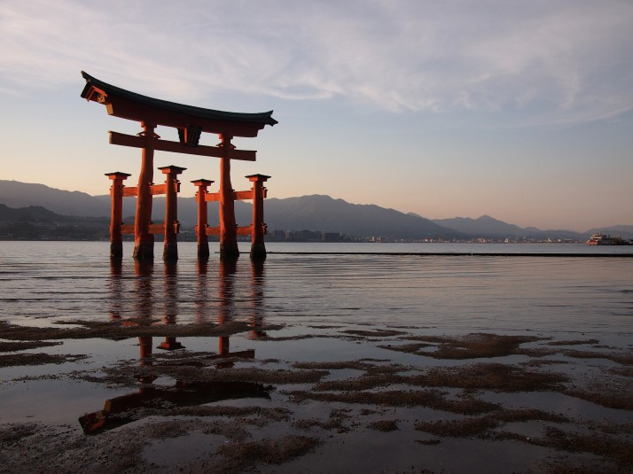 "The stunning ""floating"" torii of Miyajima at sunset"