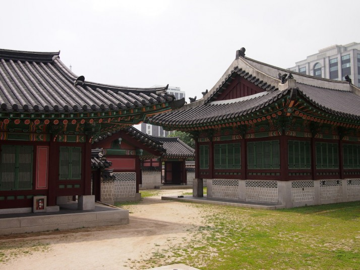 The administrative area - a warren of buildings to support the Joseon government