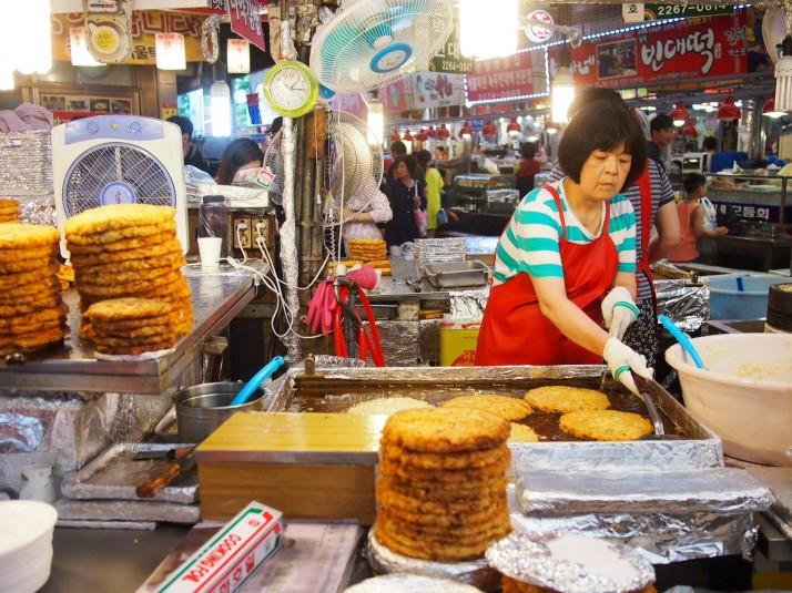 Mung bean pancake stall