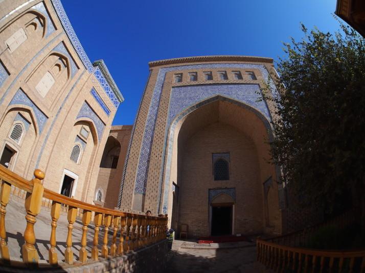 First stop, the resplendent Pahlavon Mahmud Mausoleum