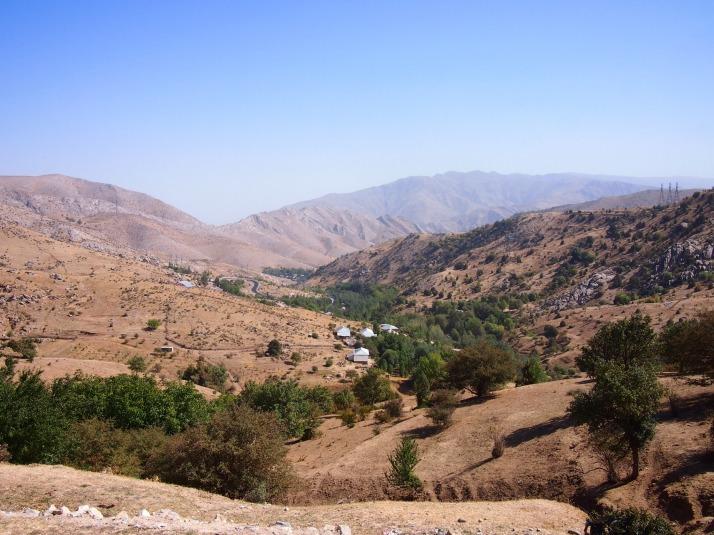 Mountain pass between Samarkand and Shakhrisabz