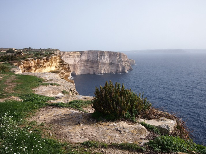 Ta' Seguna cliffs
