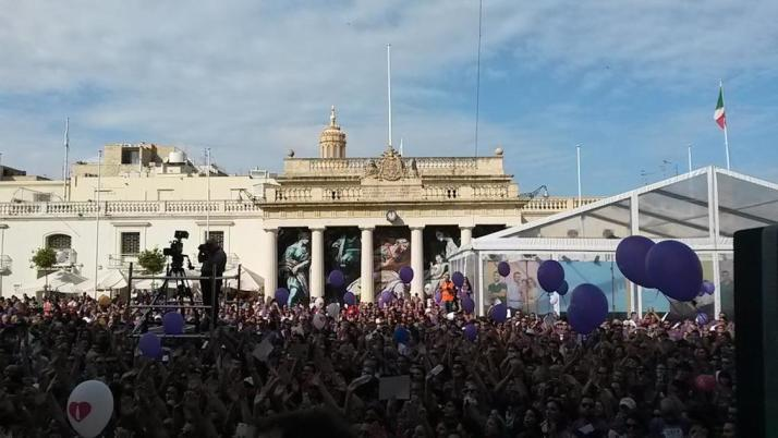 The Presidents view of the 16,000 participants of the Fun Run in St Georges Square