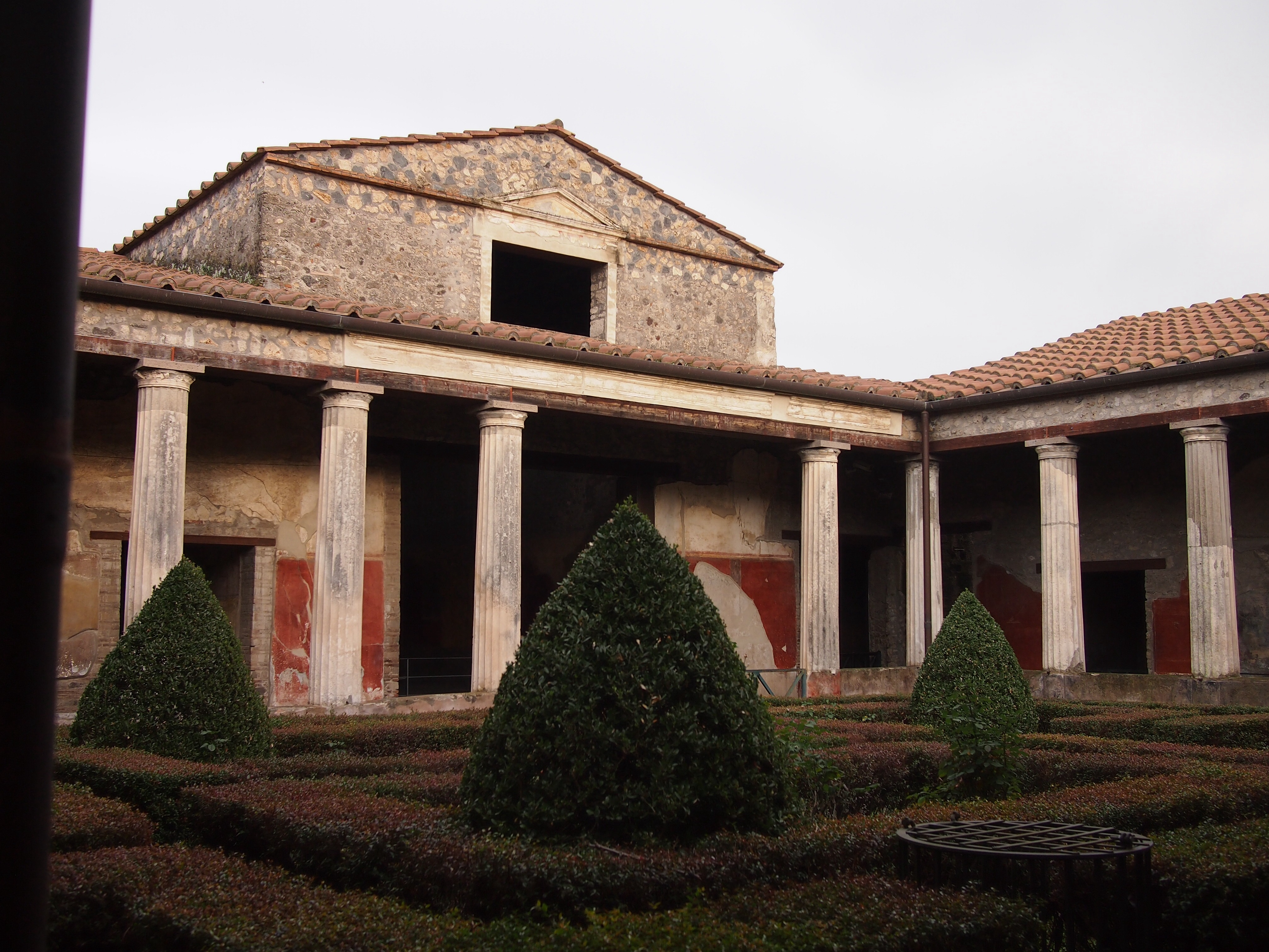 Pompeii two year trip for House look from outside