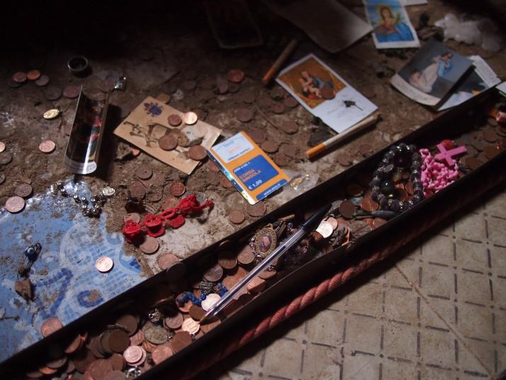 Fontanelle Cemetery offerings