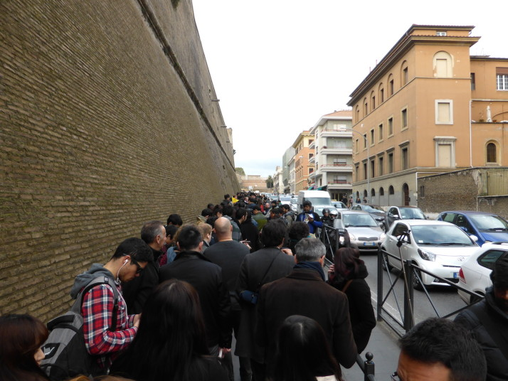 Vatican Museum queue, Rome, Italy