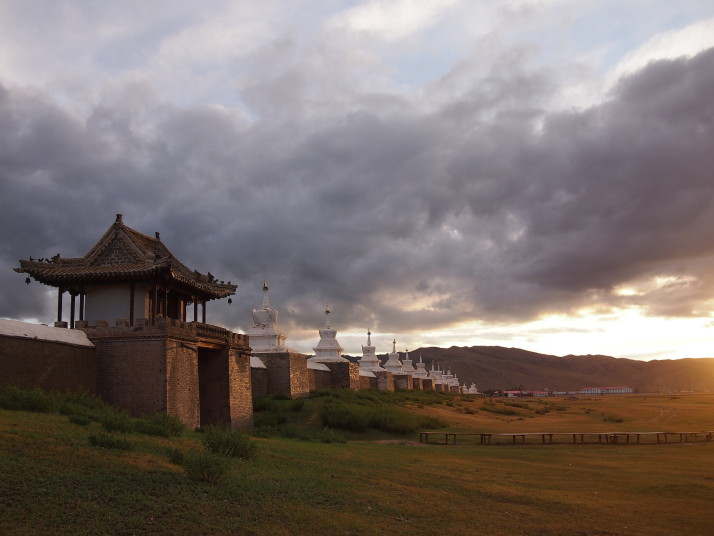Sunset at Erdene Zuu monastery