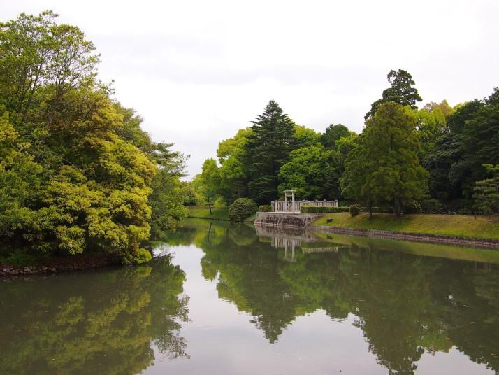 Shrine reflection