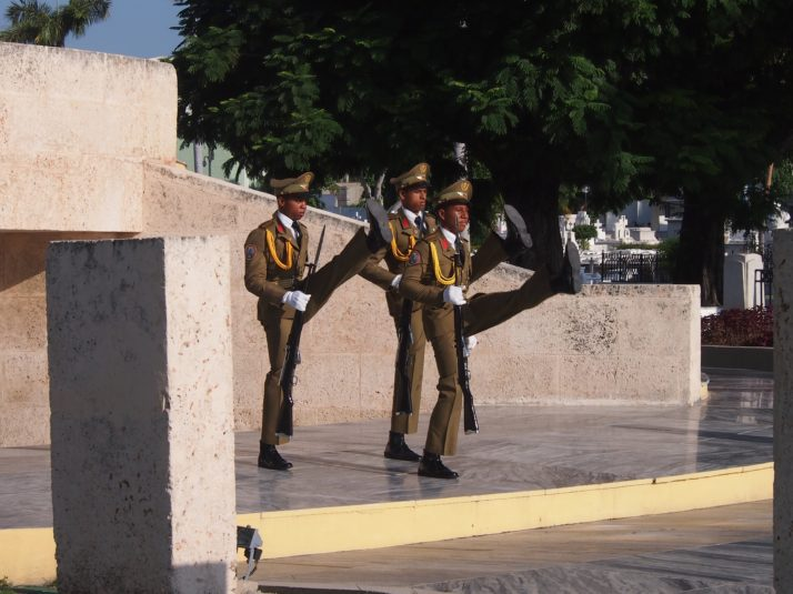Changing of the guard at José Martí Mausoleum