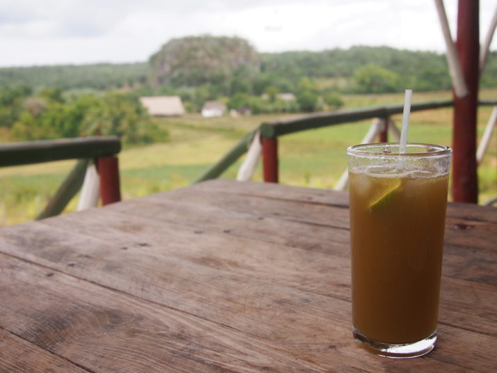 A glass of sugarcane juice in the Valle el Silencio