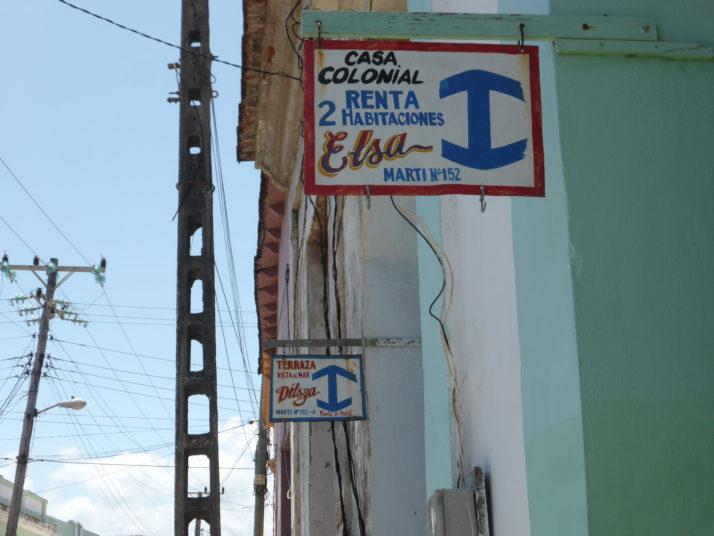 Casa particular signs