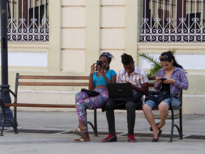 Internet usage in Cuba