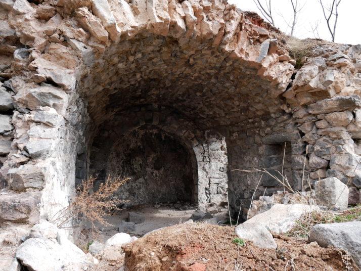 Khndzoresk cave, Armenia